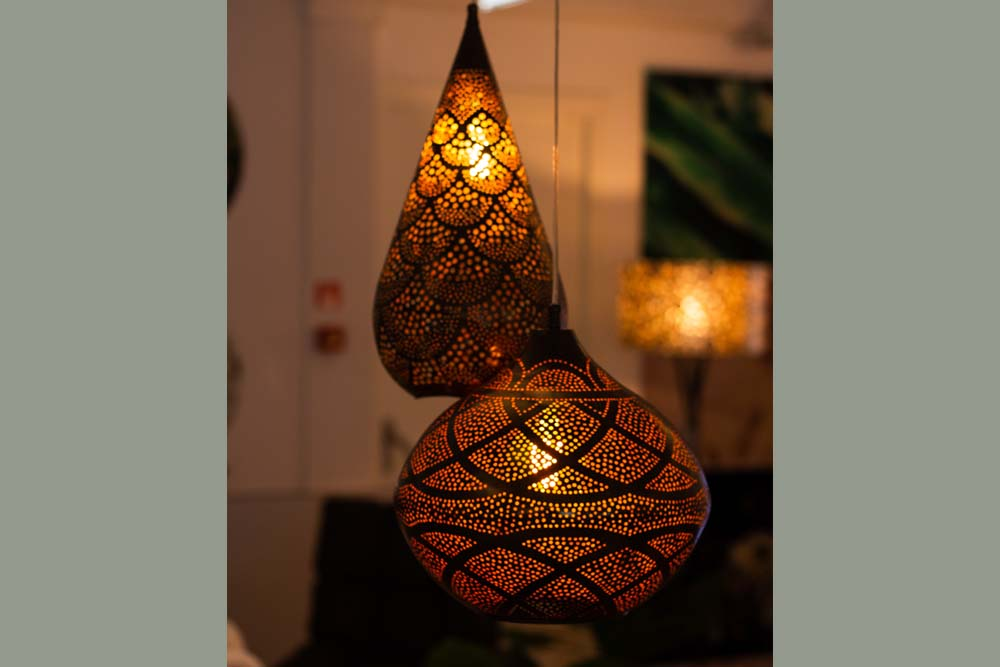 13. Lamp