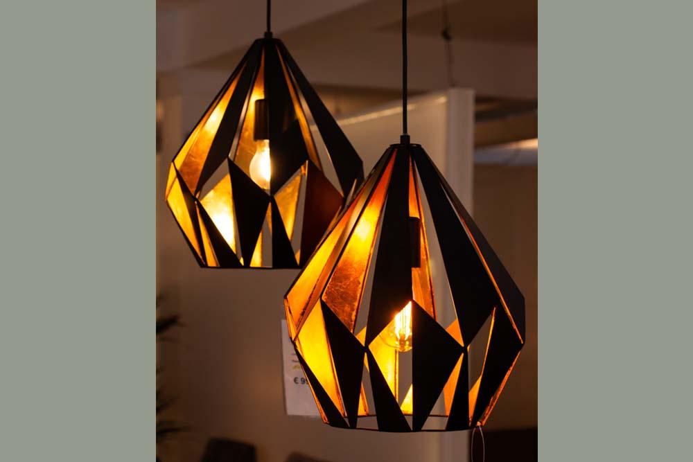 4. Hanglamp, zwart goud