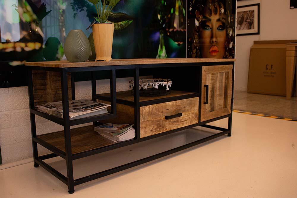 61. Tv-meubel