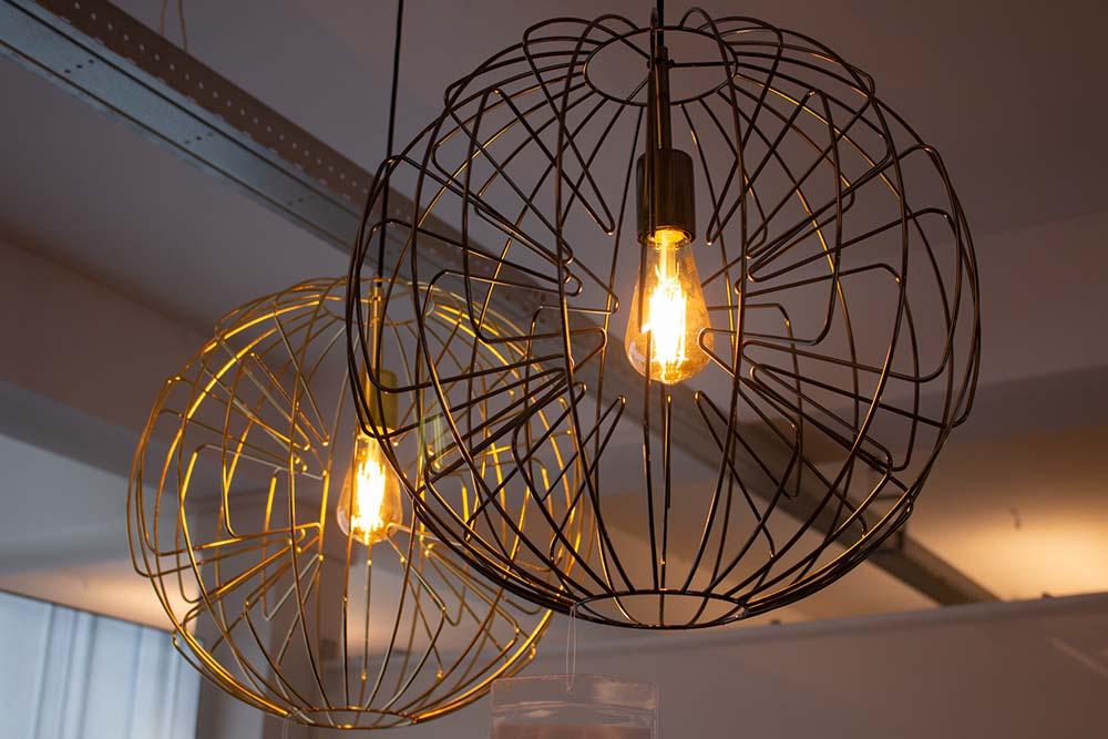 76. Hanglamp, 1095-102