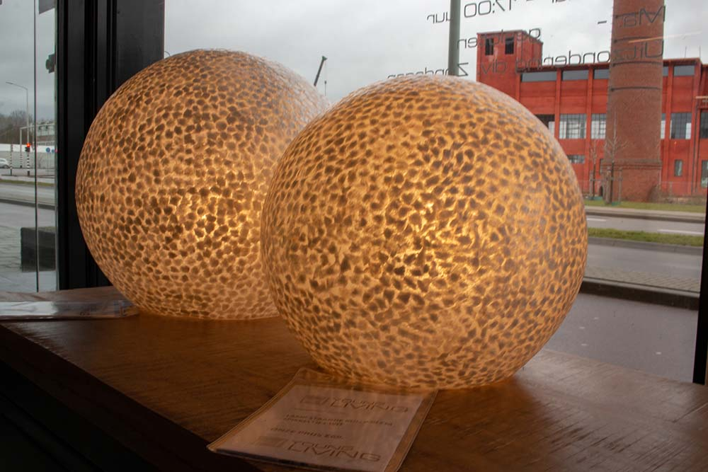 138. Lamp staande bol, 1125-59