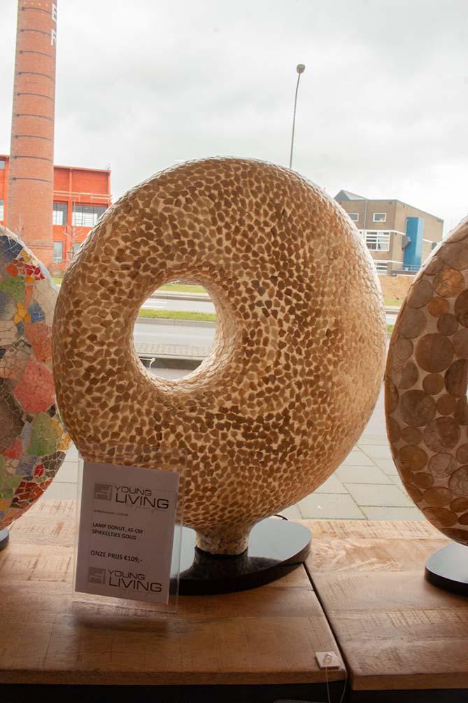 140. Lamp donut