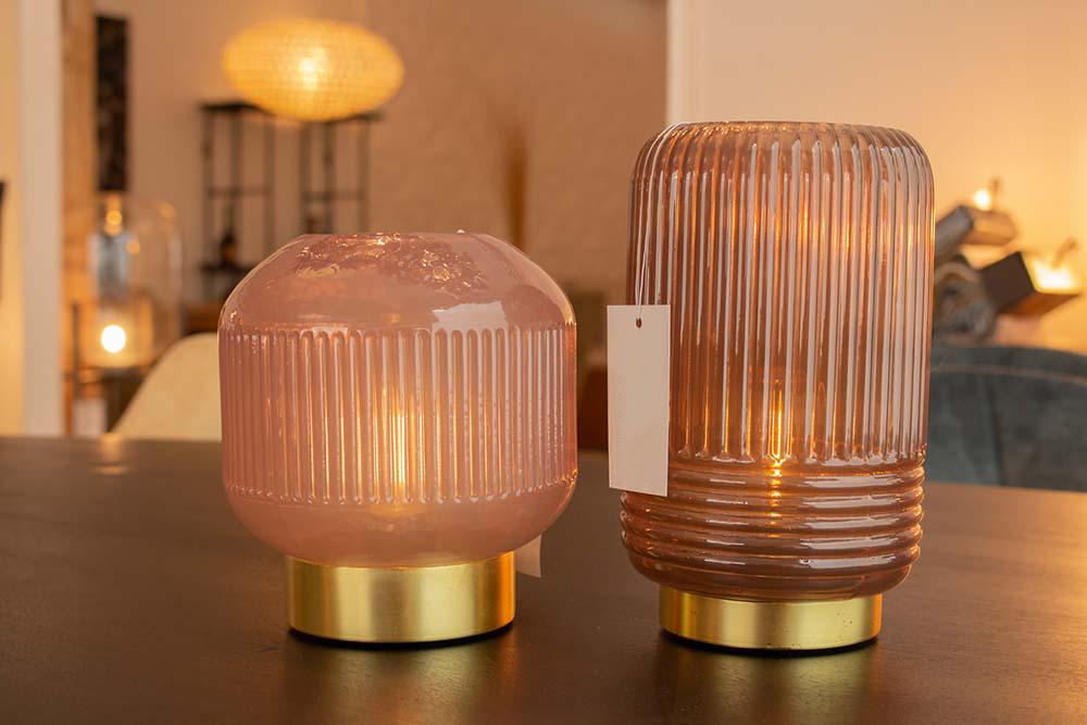 27. Tafellamp