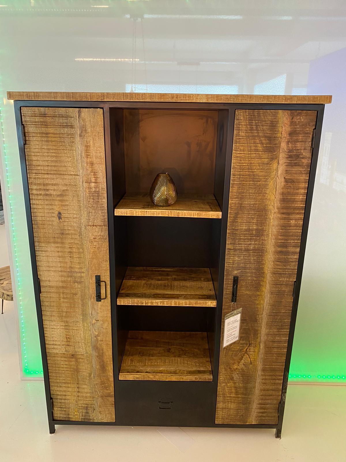76. Houten half open kast, 1128-42