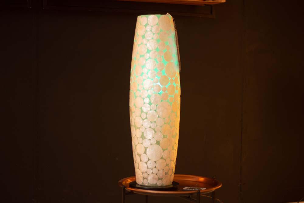 146. Lamp, schelp rond wit