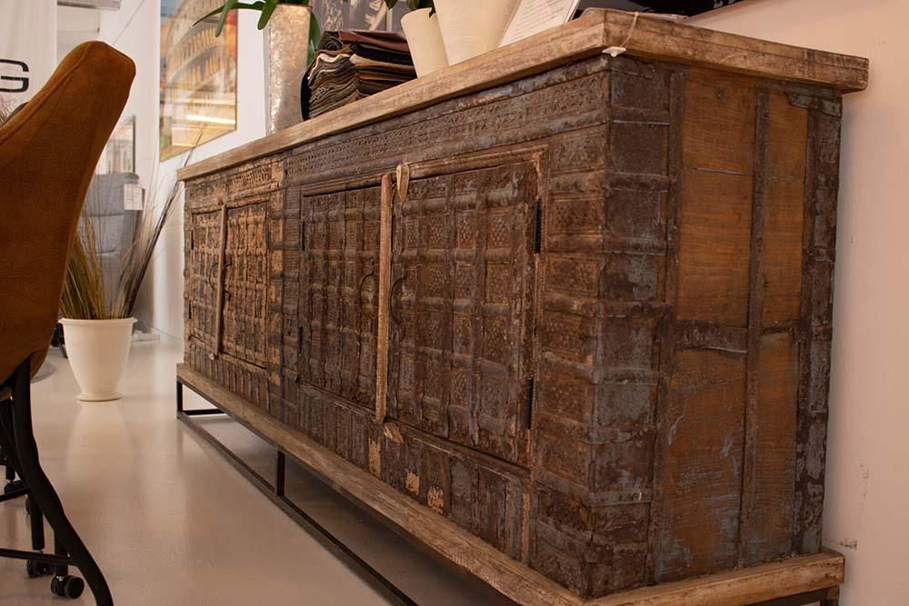 26. Unieke Antieke kast, 1136